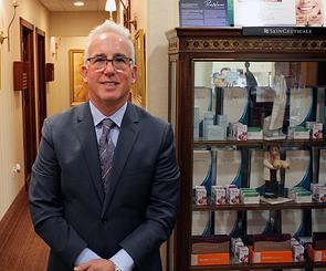 Dr. Jonathan Lebowitz